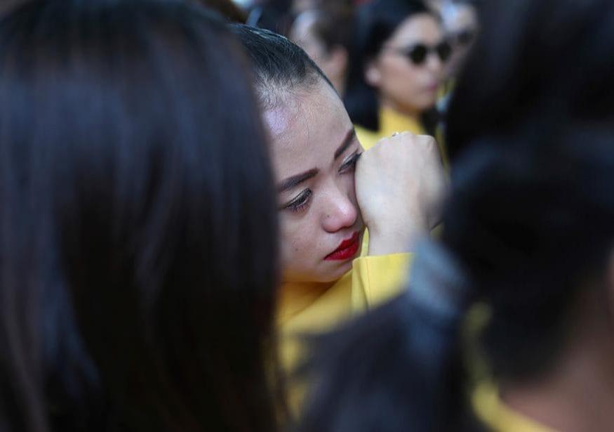 ఢిల్లీలో జరిగిన ధర్నాలో కన్నీరు పెట్టుకున్న జెట్ ఎయిర్ వేస్ ఉద్యోగి (Image: Reuters)