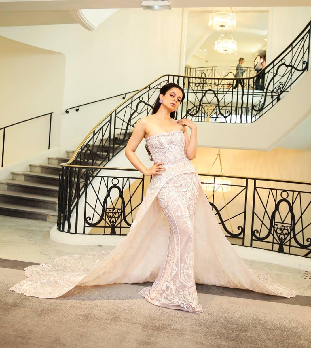 Cannes 2019 : వైట్ డ్రెస్లో యువరాణిలా కనిపిస్తోన్న కంగనా రనౌత్ Photo: Instagram.com/team_kangana_ranaut/
