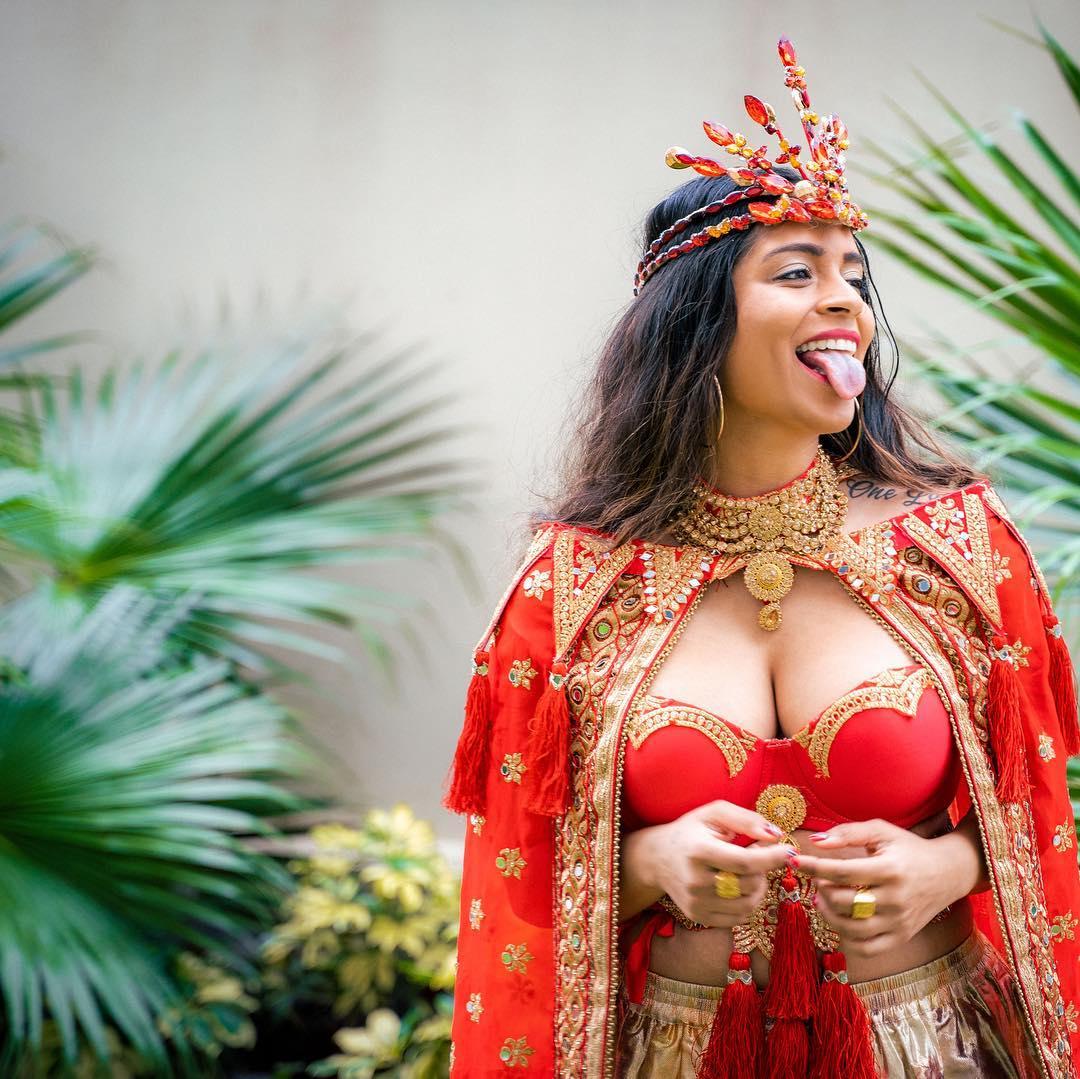 లిల్లీ సింగ్ ఫోటోస్ Photo: Instagram.com/iisuperwomanii