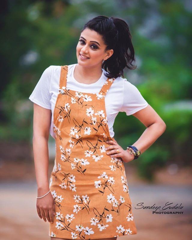 అందాల తార ప్రియమణి Photo: Instagram