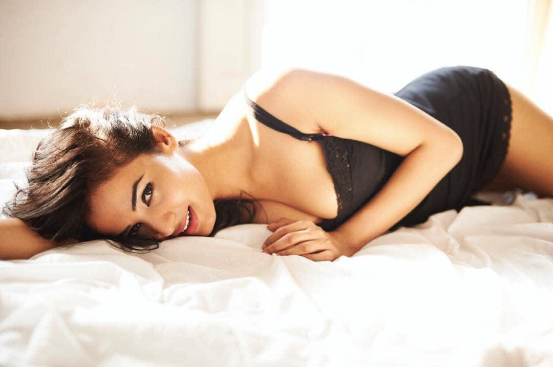 అందాలతో చంపేస్తోన్న బాలయ్య బామ సోనాల్ చౌహాన్ Photo: Instagram.com/sonalchauhan