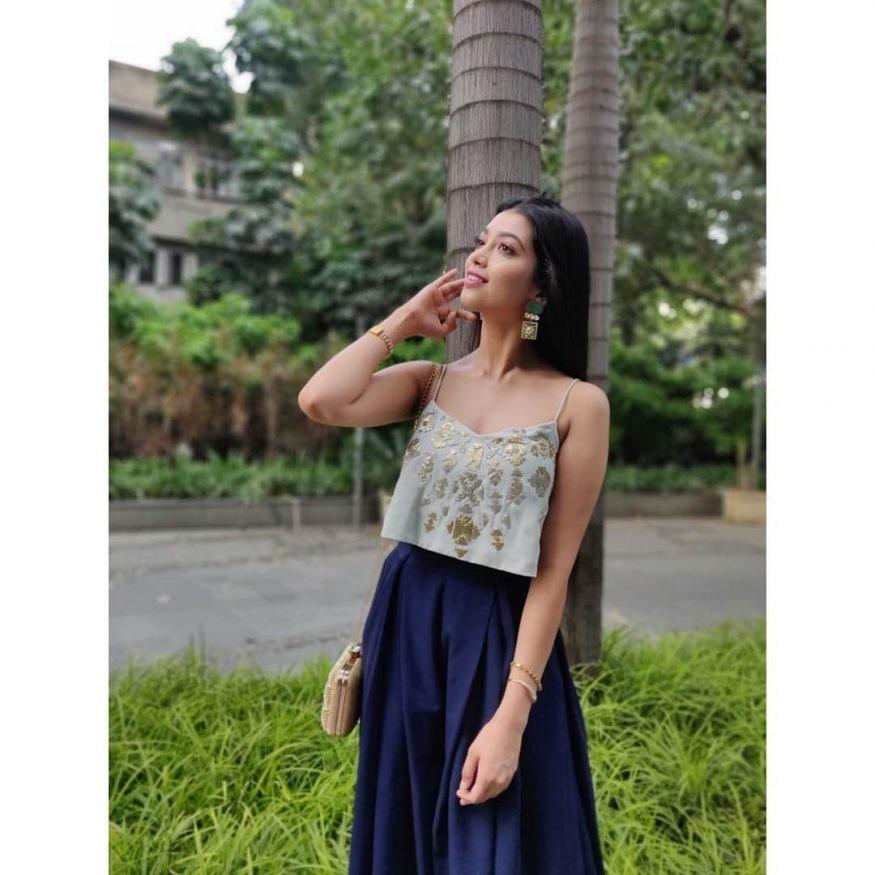 మెస్మరైజ్ బ్యూటీ దిగంగన (Image : instagram.com/diganganasuryavanshi)