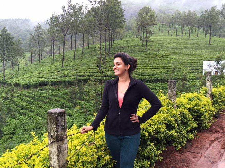 హనీ రోజ్ వర్గీస్ క్యూట్ లుక్స్ (image : instagram.com/honeyroseinsta)