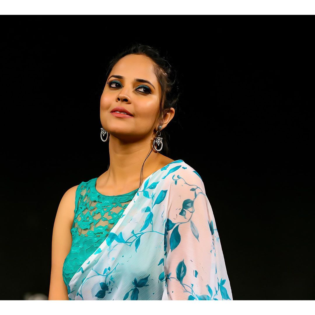అదరగొడుతోన్న జబర్దస్త్ భామ అనసూయ లేటెస్ట్ ఫోటో షూట్ Photo: Instagram.com/itsme_anasuya