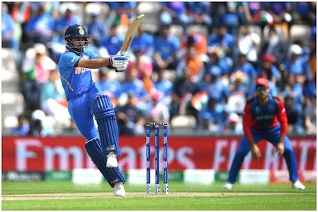 India vs Afghanistan | కోహ్లీ ఔట్...4 వికెట్లు కోల్పోయిన భారత్...పట్టు బిగించిన ఆఫ్గన్ బౌలర్లు...