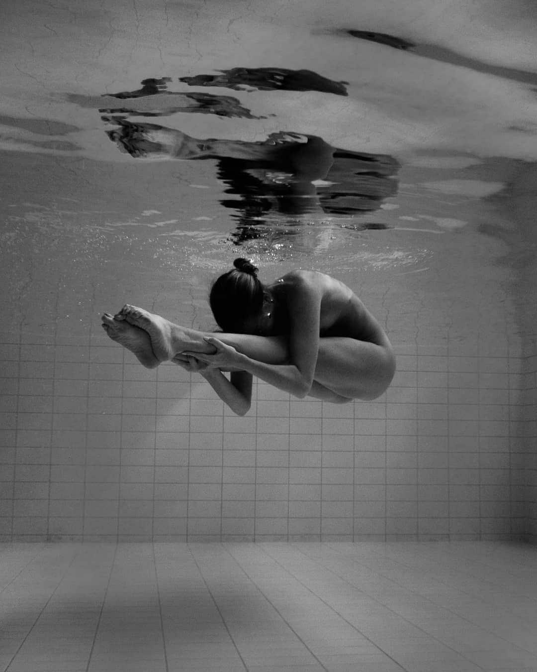 న్యూడ్ యోగా గర్ల్ (Photo: nude_yogagirl/Instagram)