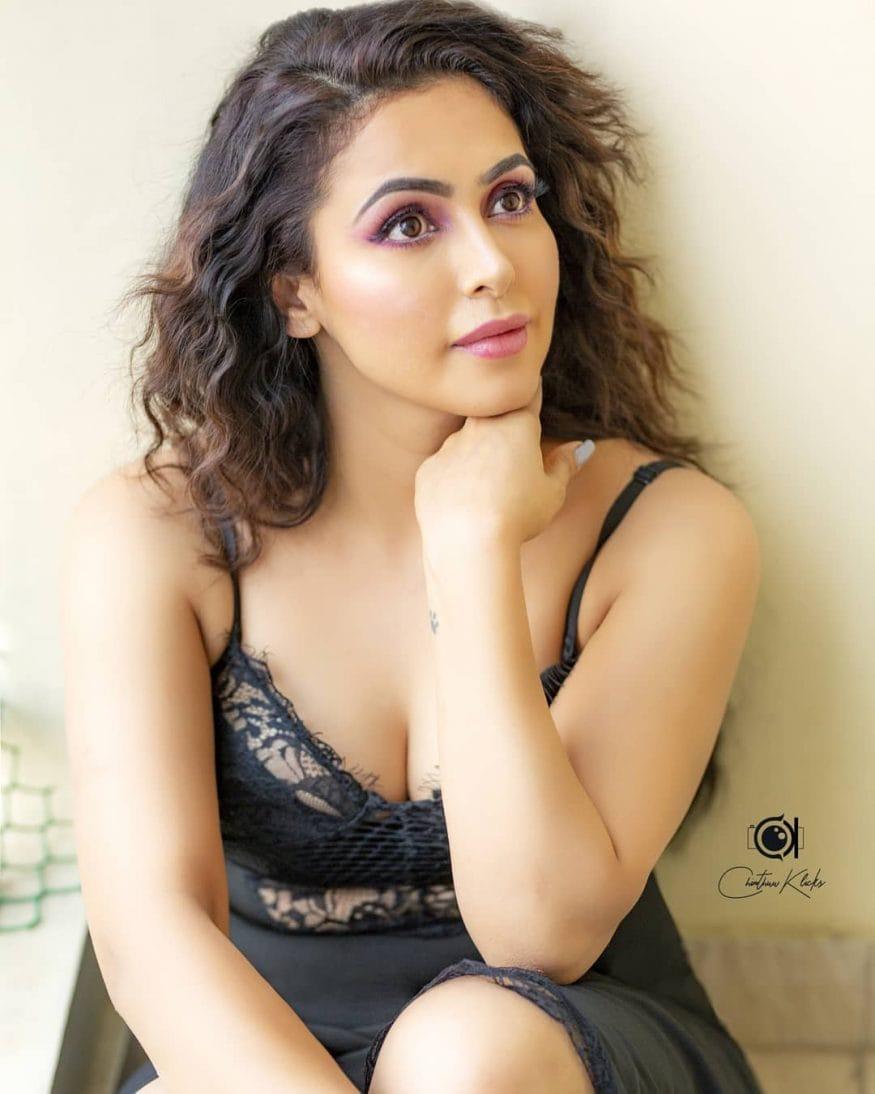 నందిని రాయ్ (Instagram Photo)