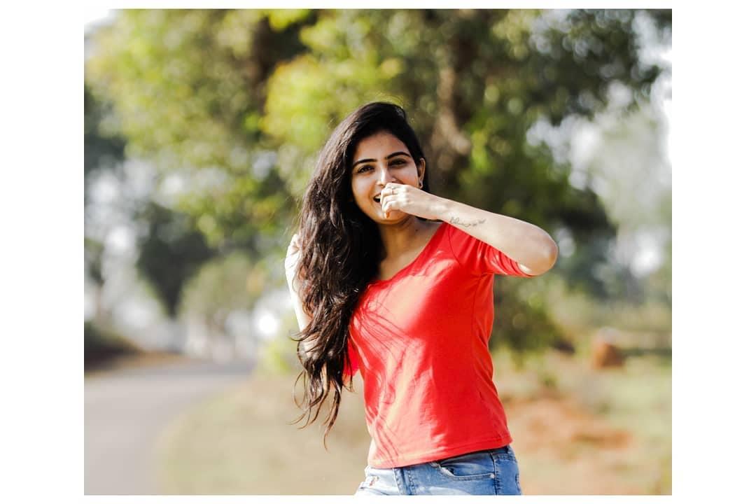 మల్లేశం ఫేమ్ అనన్య నాగల్ల ఫోటోస్ Photo : Instagram.com/ananya.nagalla