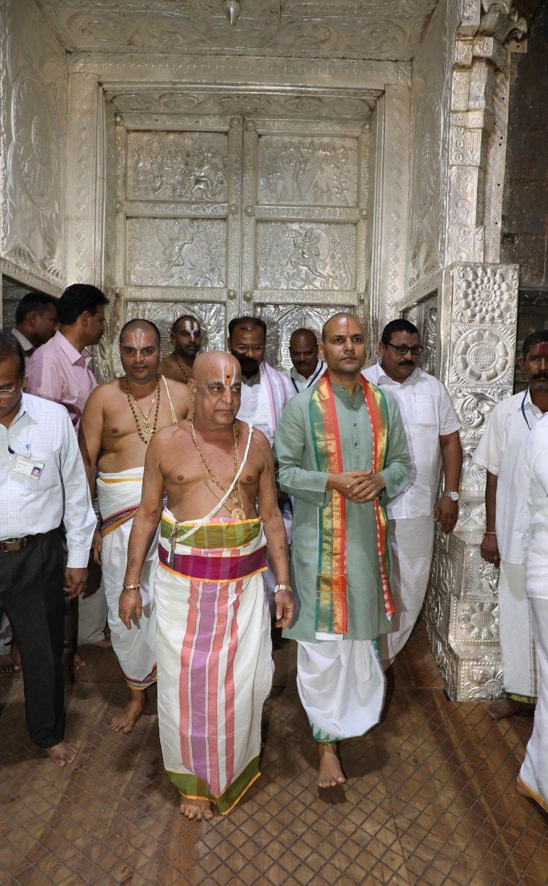 చంద్రగ్రహణం సందర్భంగా శ్రీవారి ఆలయం మూసివేత