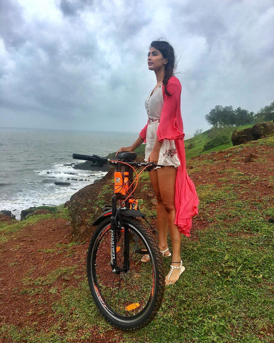 పూజా హెగ్డే (Photo: hegdepooja/Instagram)
