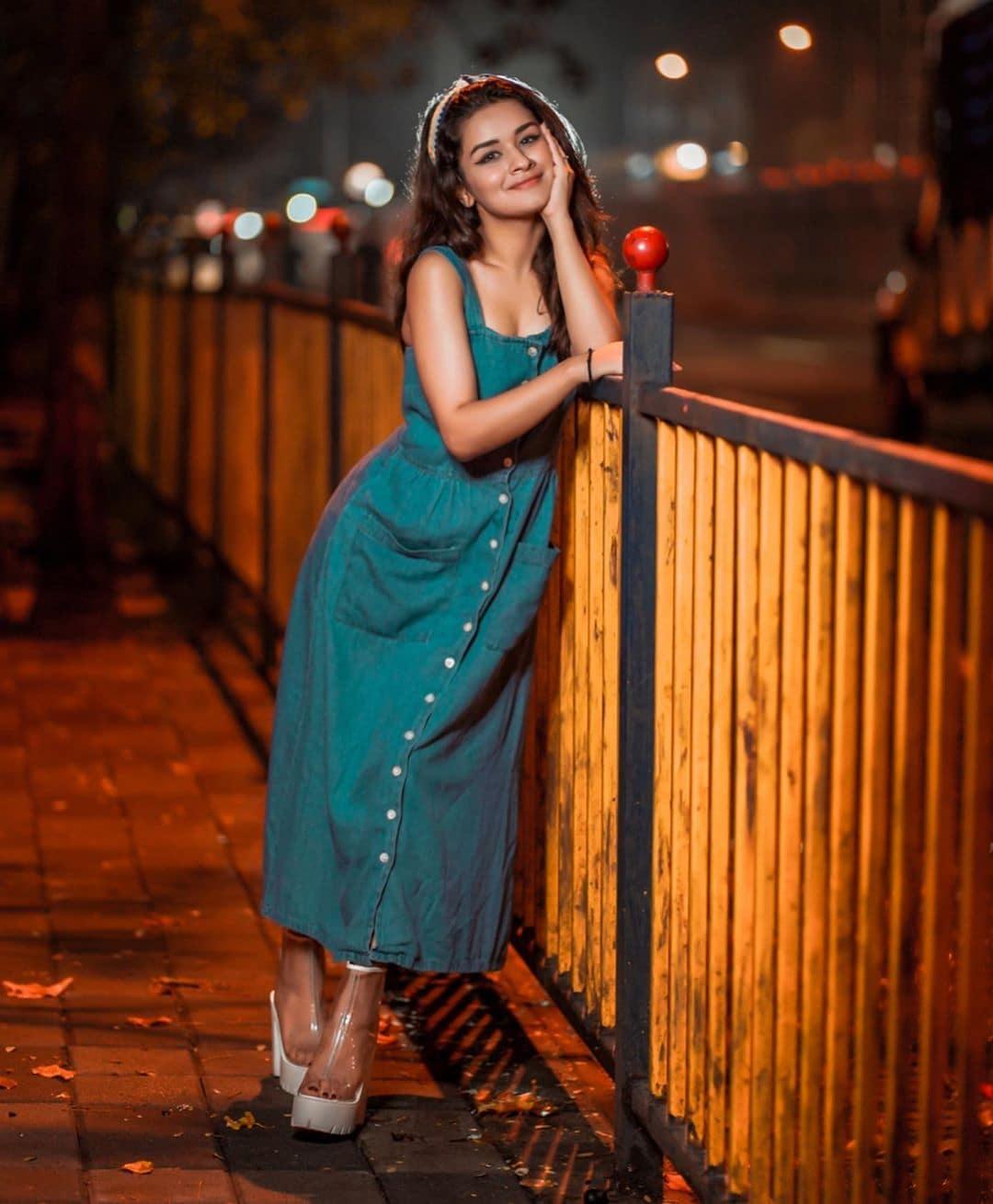 అవనీత్ కౌర్ క్యూట్ స్టిల్ (Image : instagram - avneetkaur_13)