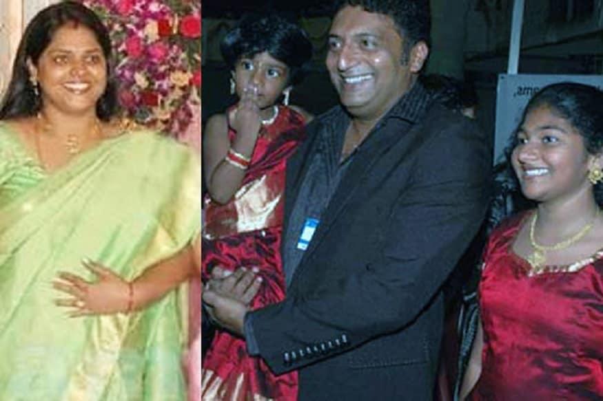 1994లో లలిత కుమారిని పెళ్లి చేసుకున్న ప్రకాష్ రాజ్ ఆ తర్వాత 2009లో ఆమెకు విడాకులు ఇచ్చి పోనీ వర్మను రెండో పెళ్లి చేసుకున్నాడు (Youtube/Credit)