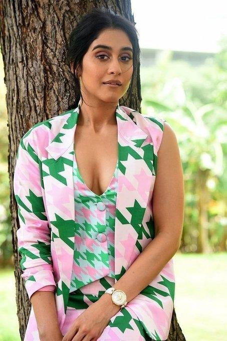 రెజీనా హాట్ ఫొటోషూట్ (Image:Twitter)