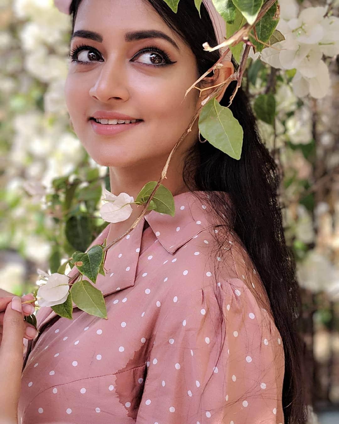 శాన్వి శ్రీవాత్సవ ఫొటోస్ (Credit - Insta - shanvisri)