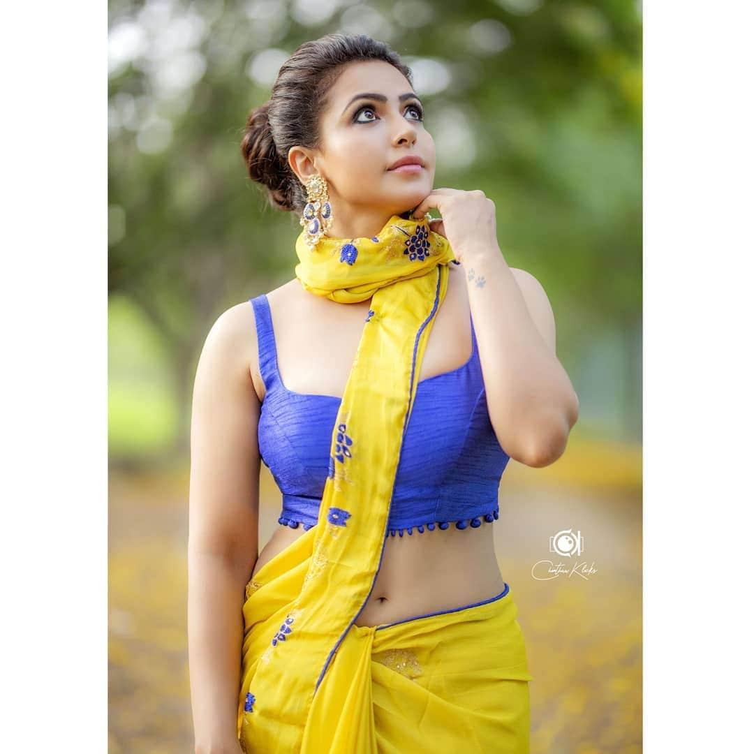 నందిని రాయ్ (nandini.rai/Instagram)