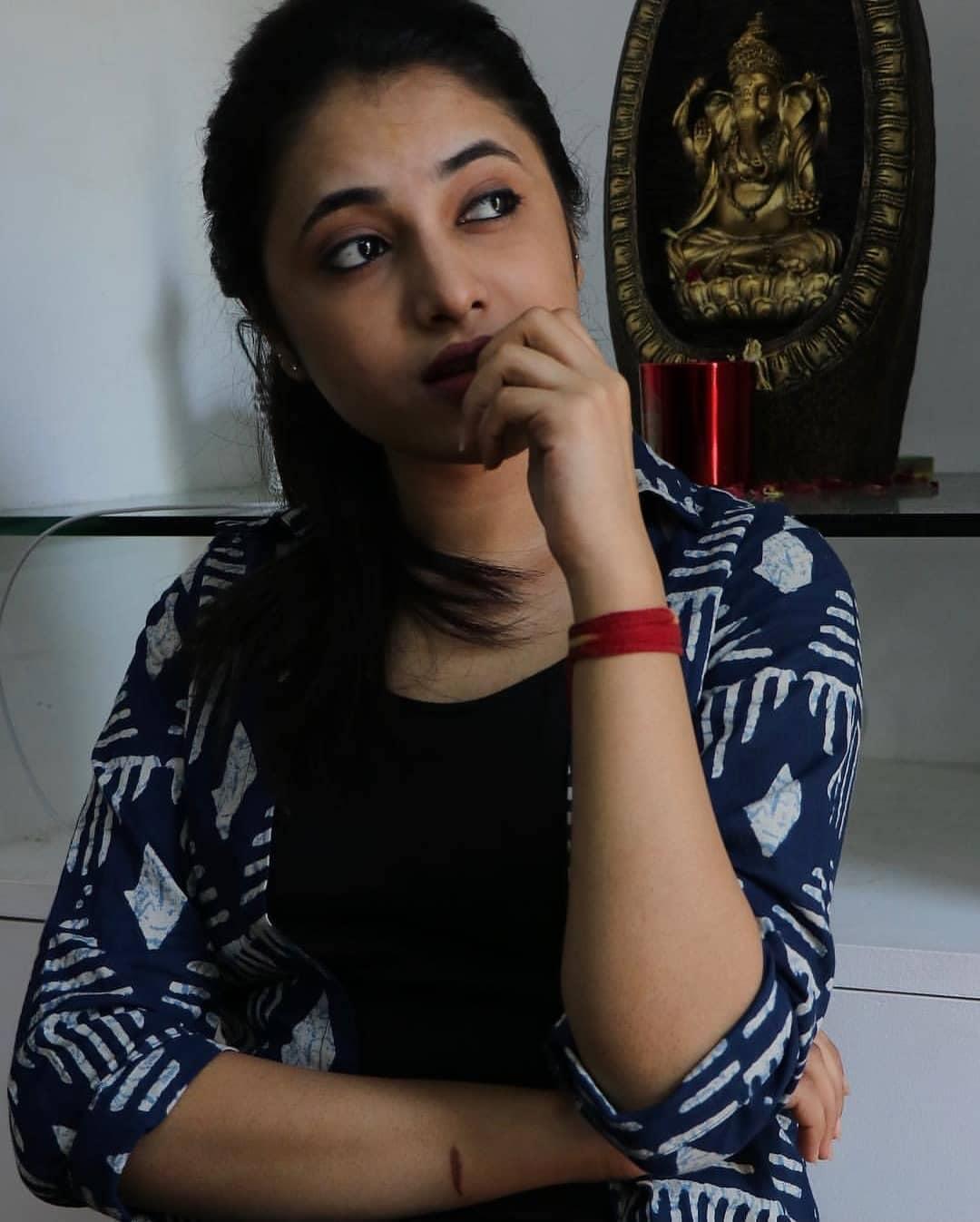 ప్రియాంక అరుల్ మోహన్ అదిరిపోయే ఫోటోస్.. Instagram/priyankaarulmohan