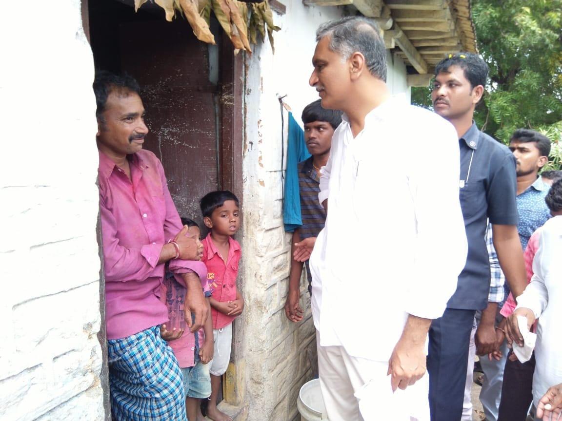 సిద్దిపేటలో హరీష్ రావు పర్యటన