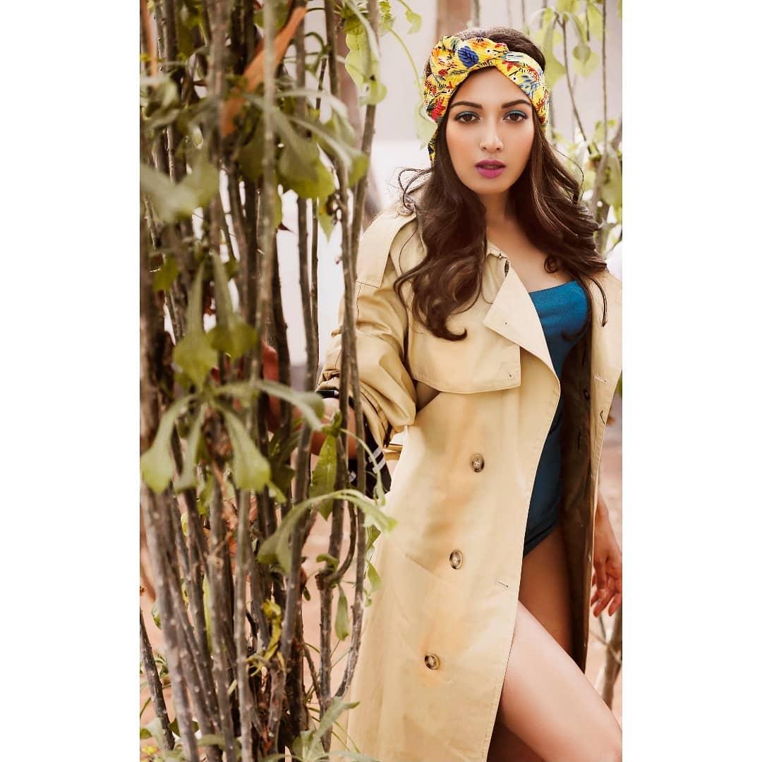 హాట్ లుక్స్తో అదరగొడుతోన్న కేథరిన్ థ్రెసా.. Photo: Instagram/catherinetresa