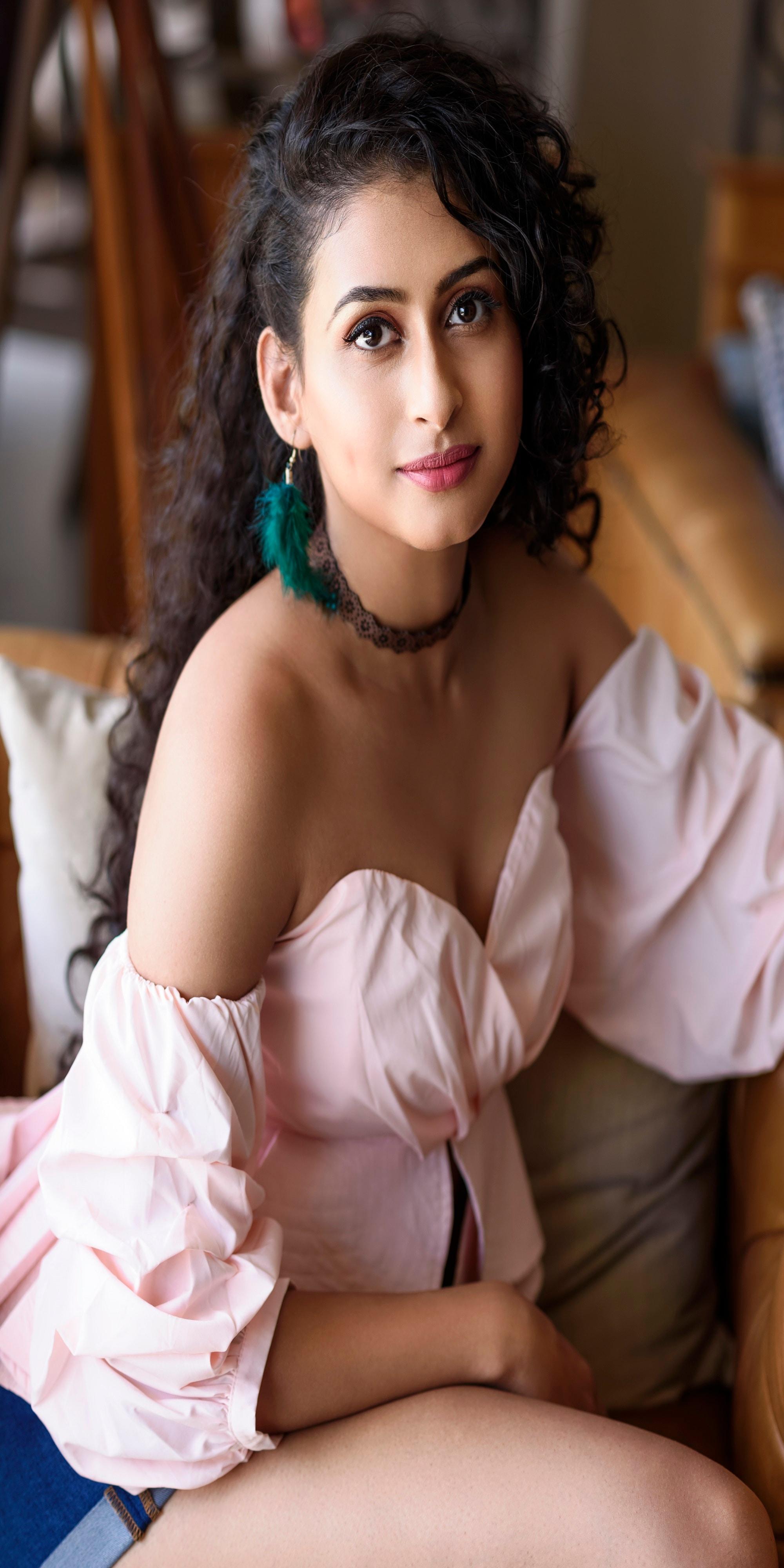 ఆపరేషన్ గోల్డ్ ఫిష్ ఫేమ్ నిత్యా నరేష్ హాట్ ఫోటో షూట్