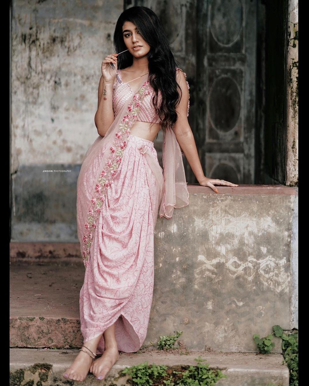 ప్రియా ప్రకాష్ వారియర్ ఫోటోస్ Photo: Instagram/priya.p.varrier