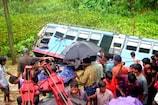 Video : ఖమ్మం జిల్లాలో బస్సు బోల్తా... ఒకరు మృతి... ఏడుగురికి గాయాలు