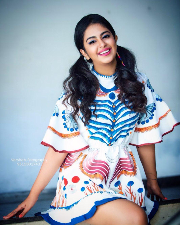 చిన్నారి పెళ్లికూతురు అవికా గోర్ అదిరిపోయే అందాలు... Photo : Instagram.com/avika_n_joy/