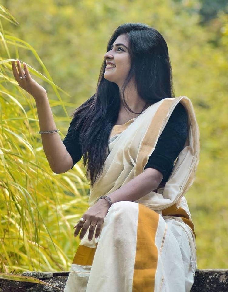 పార్వతీ అరుణ్ ఫొటోస్ (credit - FB - ActressParvathyArun)