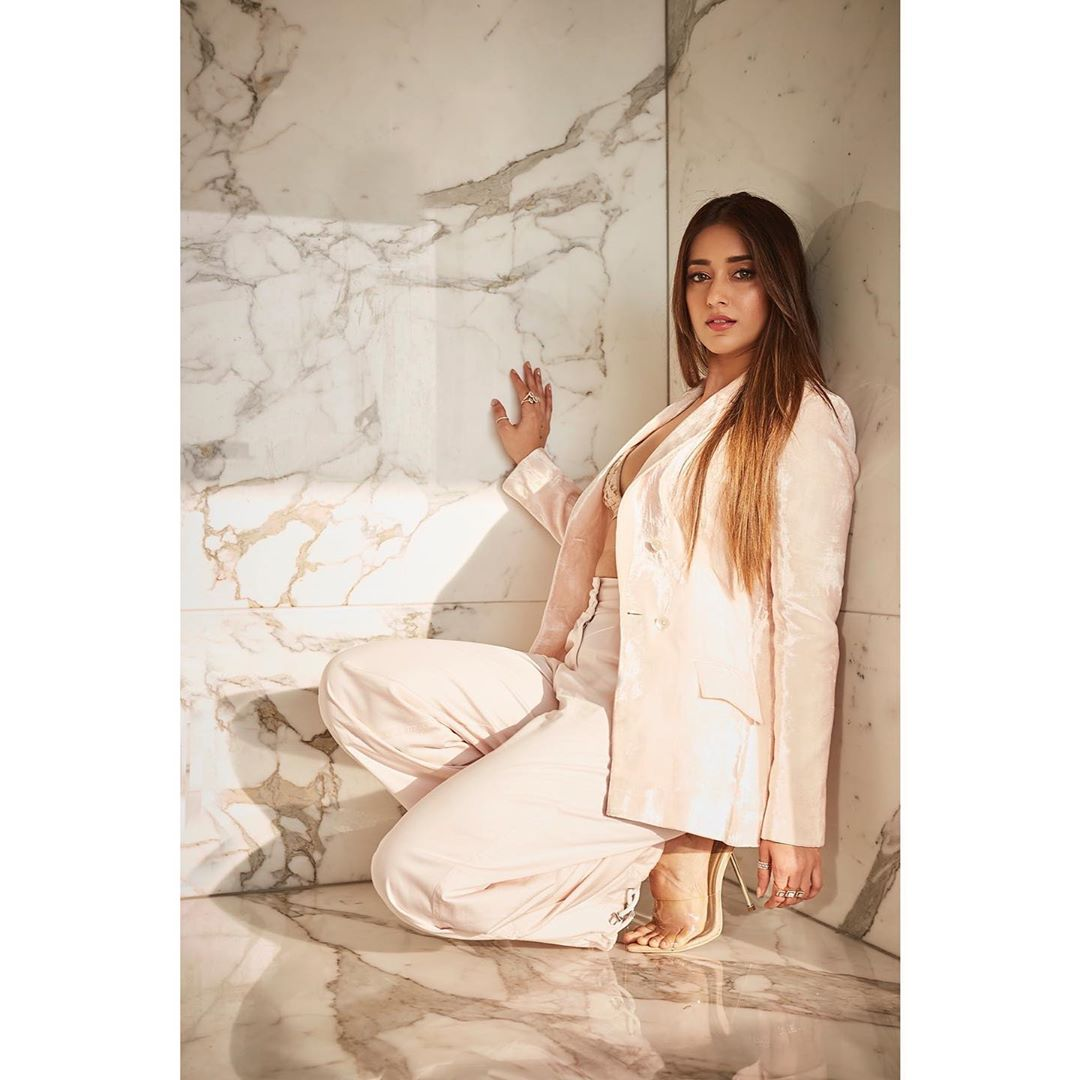 ఇలియానా హాట్ ఫోటోస్ Photo: Instagram/ileana_official