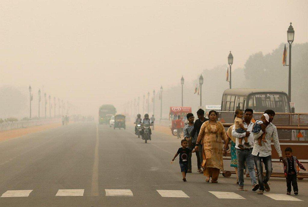 ఢిల్లీలో పొగ కాలుష్యం (credit - twitter - Reuters)