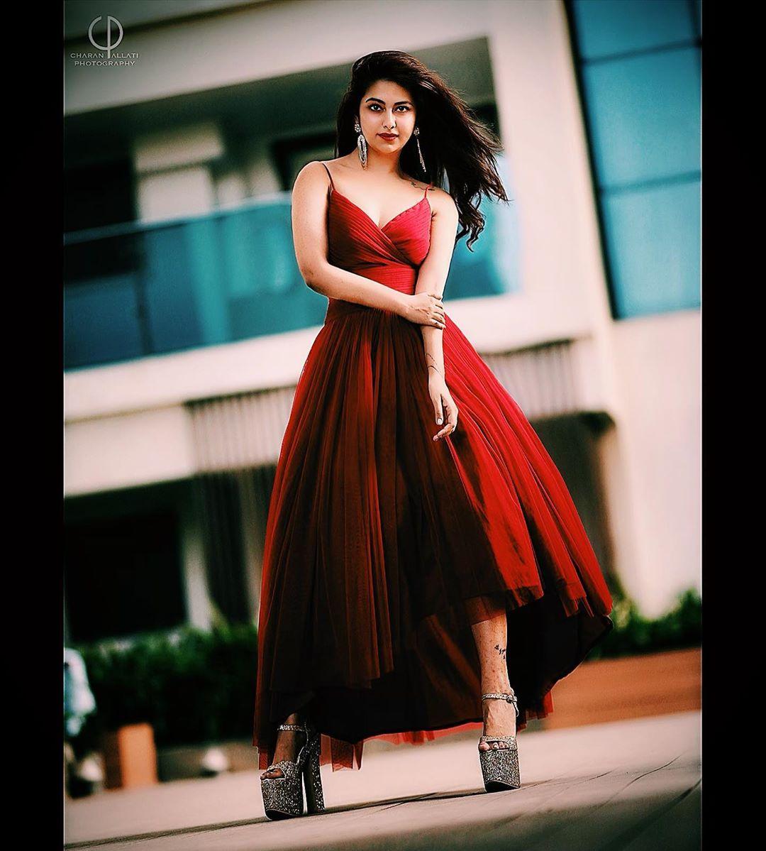 అవికా గోర్ అదిరిపోయే అందాలు... Photo : Instagram.com/avika_n_joy/
