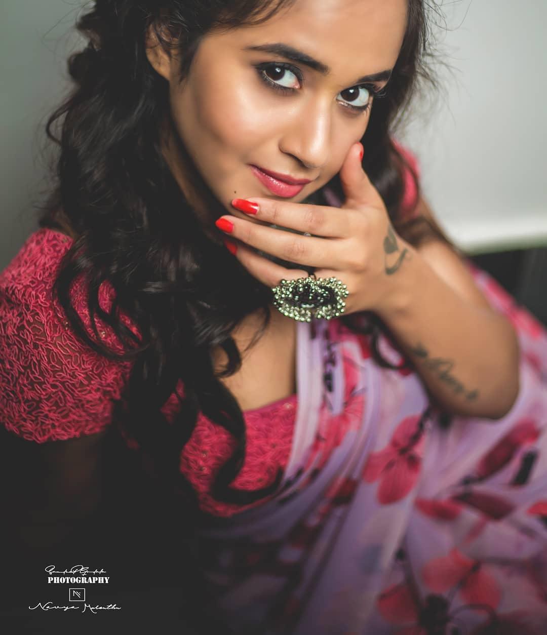 దీప్తి సునైనా ఫోటోస్ Photo : Instagram/deepthi_sunaina