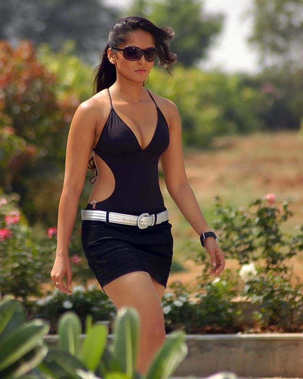 అందాల అనుష్క శెట్టి హాట్ ఫోటోస్ Photo: Twitter