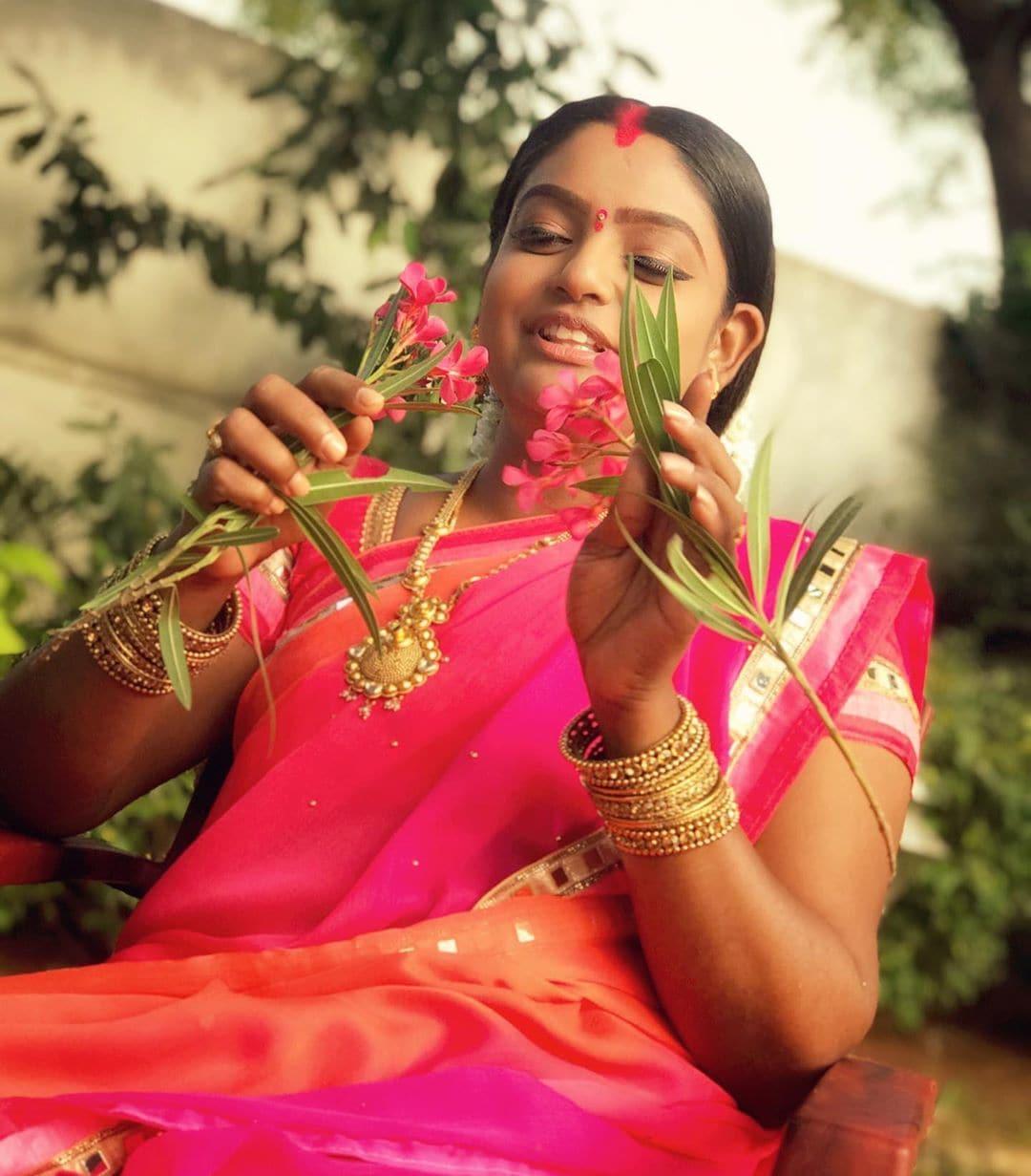 ప్రేమీ విశ్వనాథ్ ఫొటోస్ (credit - insta - premi_vishwanath)