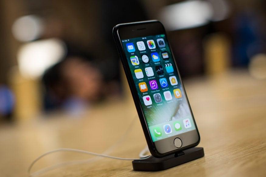 5. iPhone 7: ఐఫోన్ 7 స్మార్ట్ఫోన్ 32 జీబీ వేరియంట్ అసలు ధర రూ.27,999 కాగా, ఆఫర్ ధర రూ.24,999.