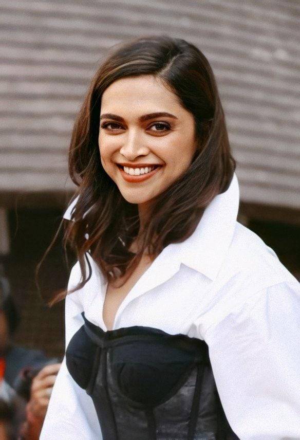 తాజాగా వస్తోన్న సమాచారం మేరకు ఈ డ్రగ్స్ కేసులో మరో 39 మంది పేర్లు బయటపడ్డట్లు తెలుస్తోంది. ఈ తాజా లిస్ట్లో ప్రముఖ నటుల పేర్లు కూడా ఉన్నట్లు సమాచారం అందుతోంది. Photo: Instagram