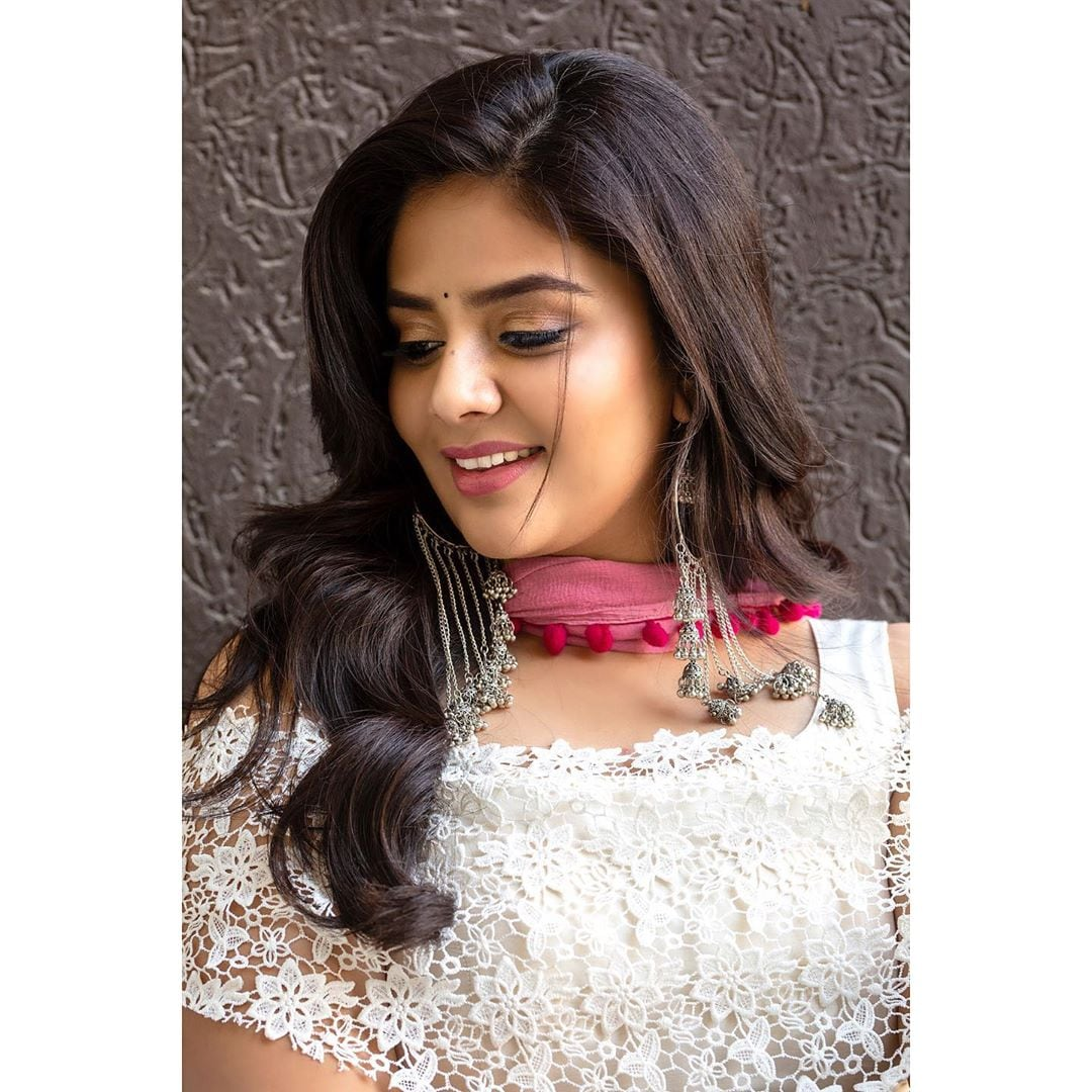 అందాల శ్రీముఖి లేటెస్ట్ పిక్స్.. Photo : Instagram/sreemukhi