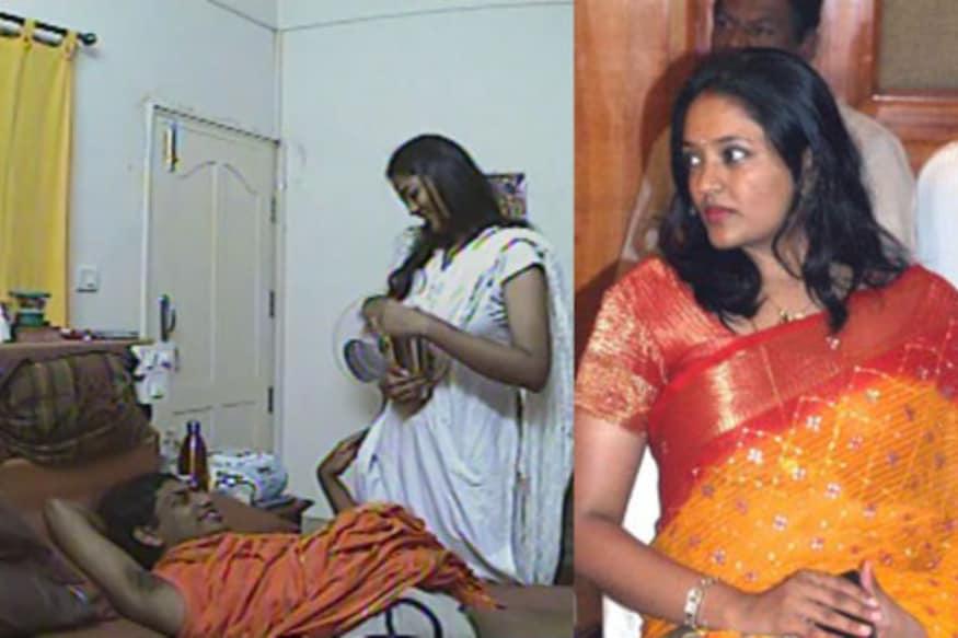 Tollywood writer Paruchuri Gopalakrishna Interesting comments on Ranjitha Nityananda relationship pk అప్పటి వరకు కేవలం నటిగానే ప్రేక్షకులకు తెలిసిన రంజిత.. నిత్యానంద ఎపిసోడ్తో ఒక్కసారిగా కాంట్రవర్సీ క్వీన్ అయిపోయింది. అప్పటి వరకు ఉన్న ఇమేజ్.. తెచ్చుకున్న పేరు.. సంపాదించుకున్న క్రేజ్ అంతా పోయింది. ranjitha,ranjitha paruchuri gopalakrishna,paruchuri gopalakrishna you tube channel,nithyananda,nithyananda ranjitha,swami nithyananda,nityananda,nithyananda and ranjitha,nithyananda ranjitha video,actress ranjitha,nityananda ranjitha case,nithyananda & ranjitha,nityananda ranjitha abuse case,nithyananda with ranjitha,nithyananda ranjitha speech,nithyananda sex with ranjitha,nityananda and ranjitha cctv footage,swami nithyananda and ranjitha,nithyananda ranjitha new video,telugu cinema,రంజిత,నిత్యానంద,రంజిత నిత్యానంద,పరుచూరి గోపాలకృష్ణ రంజిత,తెలుగు సినిమా