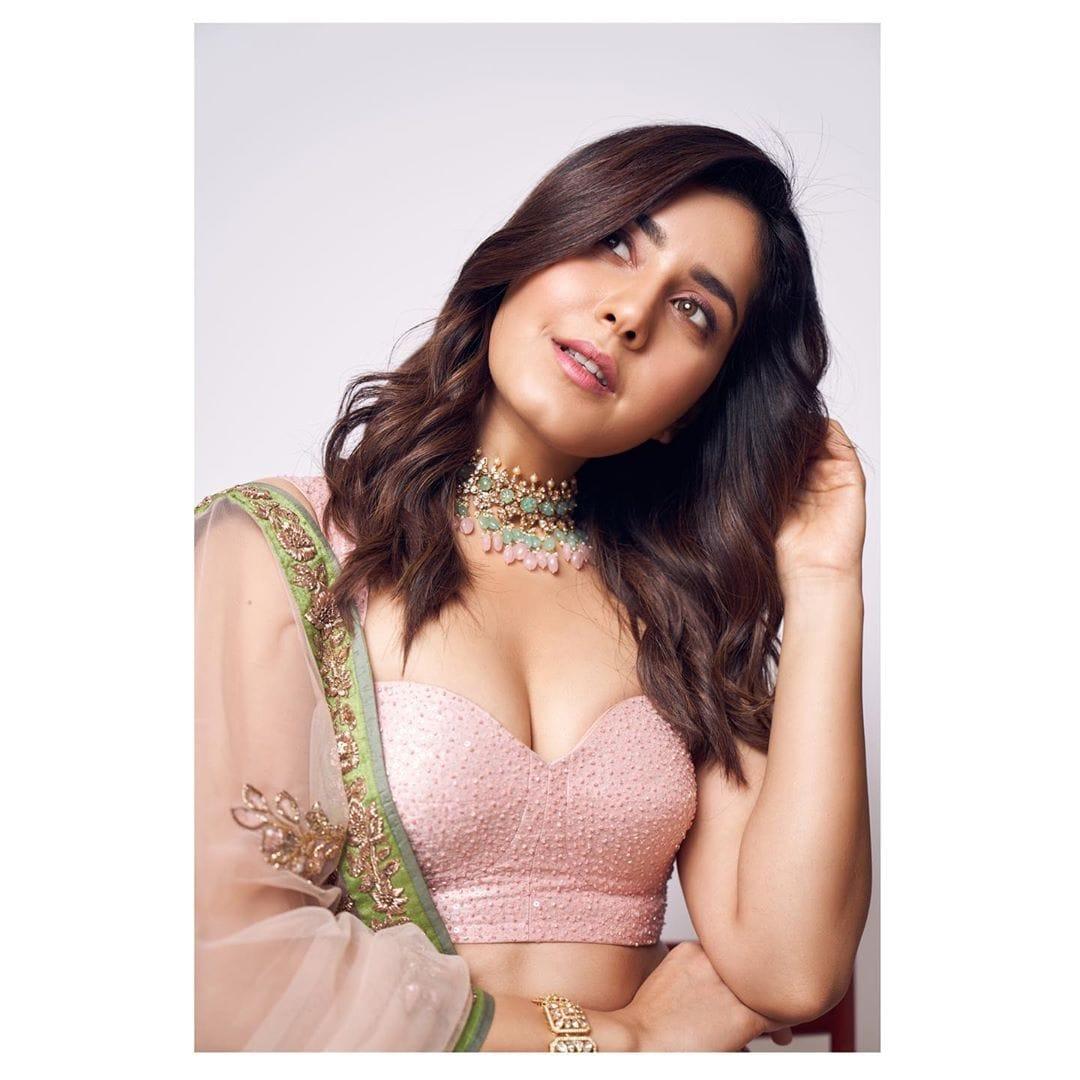 రాశీ ఖన్నా.. Photo: Instagram