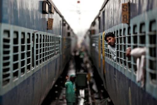 IRCTC Kashi Mahakal Express: శివరాత్రి సందర్భంగా ఐఆర్సీటీసీ ప్రైవేట్ రైలు ప్రారంభం