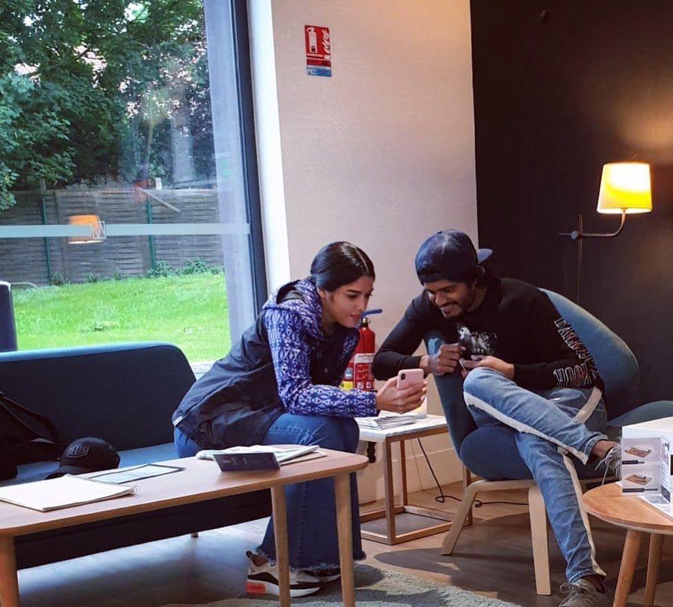 వరల్డ్ ఫేమస్ లవర్ ఇజబెల్లా లైట్ పిక్స్... Photo : Instagram/xoizaleite