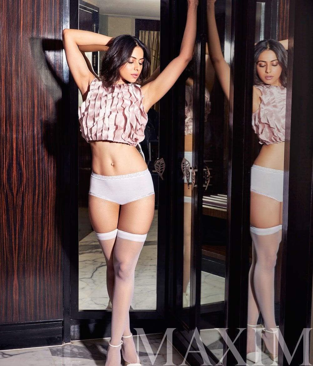 రకుల్ ప్రీత్ సింగ్ హాట్ ఫోటోస్, Photo: Maxim