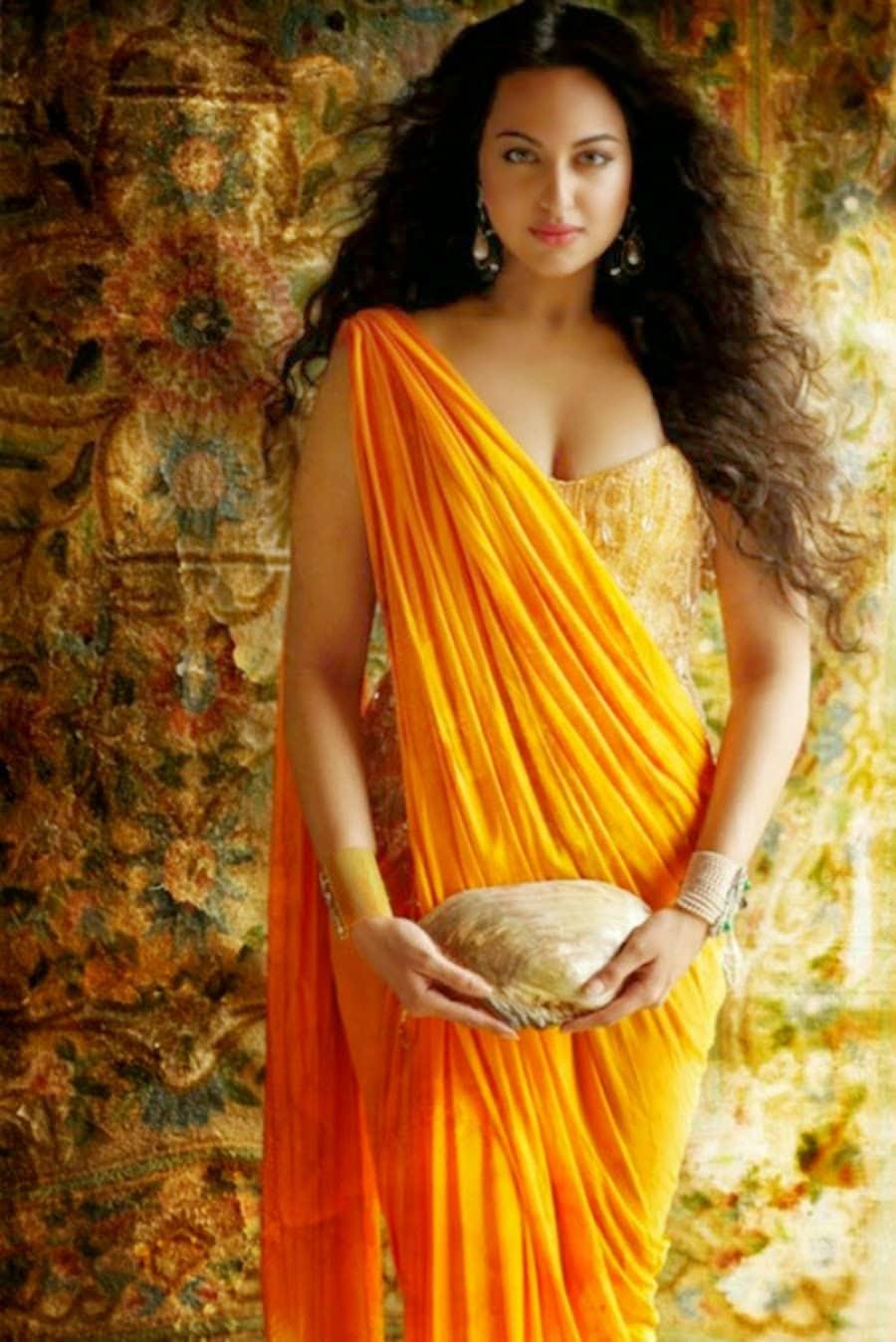 సోనాక్షి సిన్హా హాట్ ఫోటోస్...Photo : Twitter