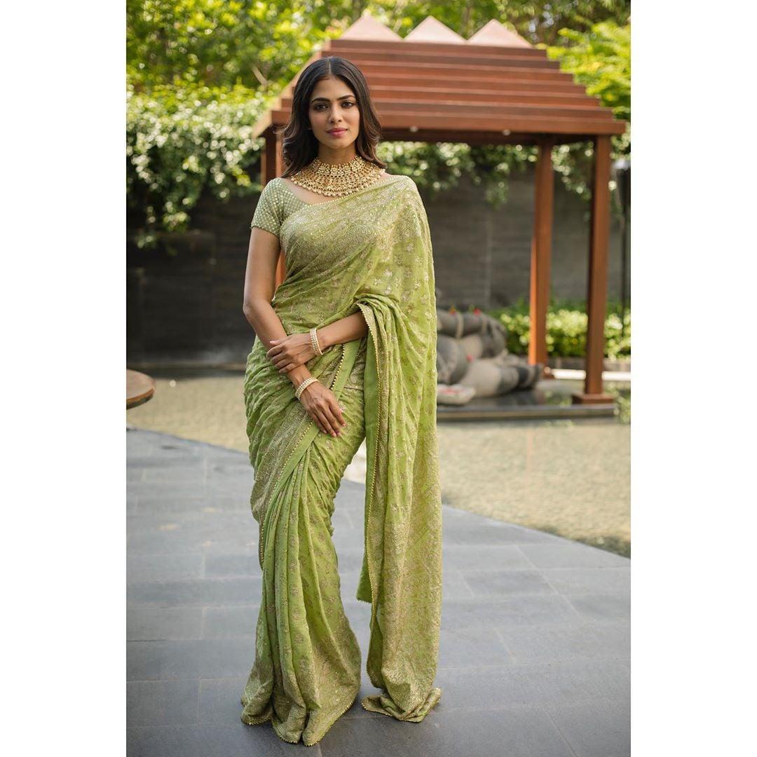 మాళవిక మోహనన్ హాట్ పిక్స్ Photo : Instagram/malavikamohanan_