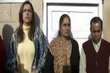 Video: దోషులను వెంటనే ఉరితీయాలి.. కోర్టులో నిర్భయ తల్లి ధర్నా