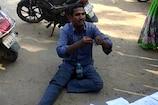 Video : భూమి సర్వే కోసం ఎమ్మార్వో కాళ్లు మొక్కిన రైతు..