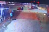 Video : రోడ్డుపై అడ్డుగా వచ్చిన బైక్... ఆ తర్వాత...