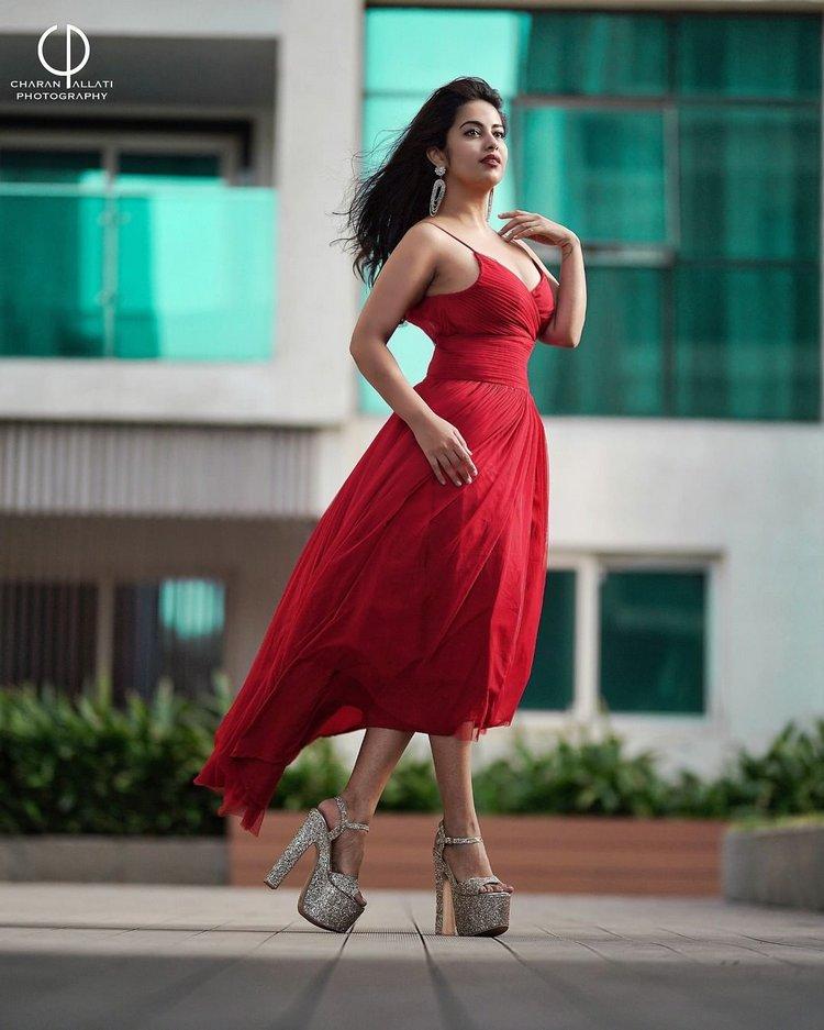 అవికా గోర్ అదిరిపోయే అందాలు... Photo : Instagram