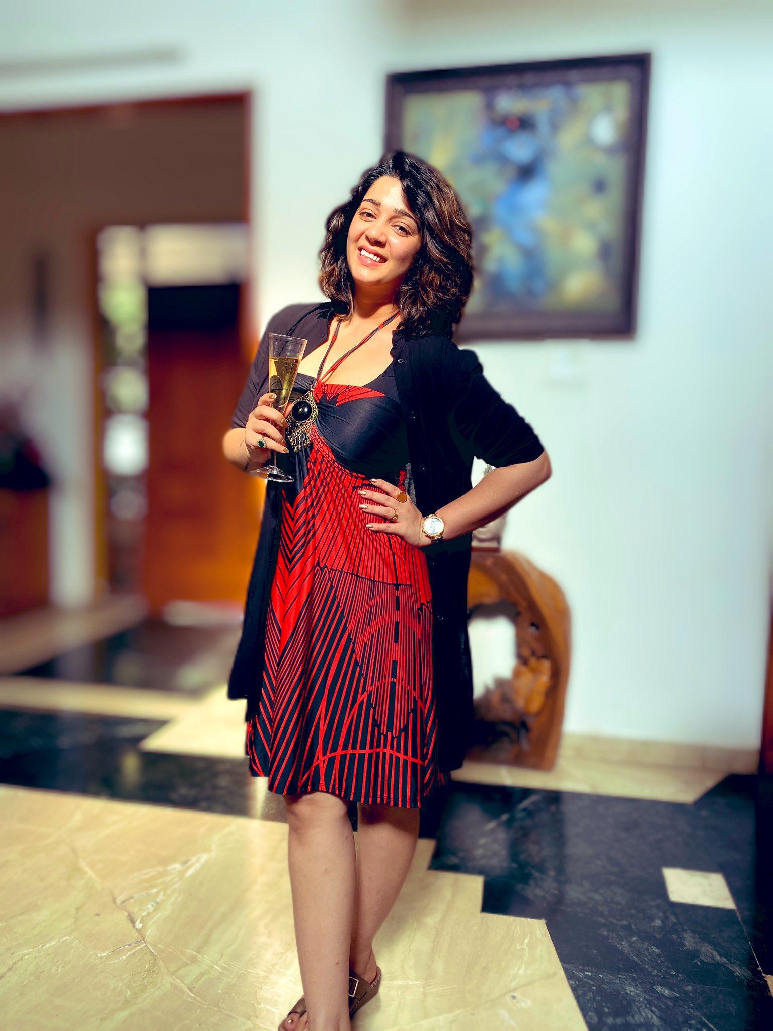 ఛార్మి కౌర్ (Twitter/Photo)