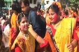 Video : దేశవ్యాప్తంగా హోలీ సంబరాలు... రంగులే రంగులు...