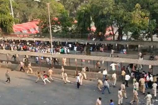 మహారాష్ట్ర సీఎంకు అమిత్ షా ఫోన్.. ముంబైలో వలస కూలీల ఆందోళనపై ఆరా